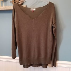 💘Long Sleeve Wide V-Neck Sweater Size Small